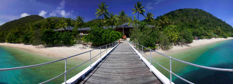 Dunk Island Holidays: Fitzroy Island Resort, Cairns, Australia