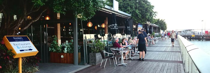 places to eat in cairns, dundees restaurant
