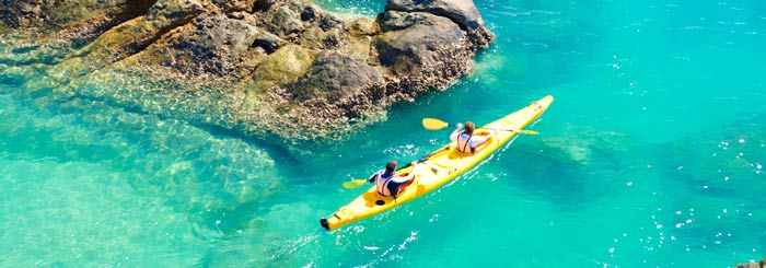 airlie beach sea kayaking