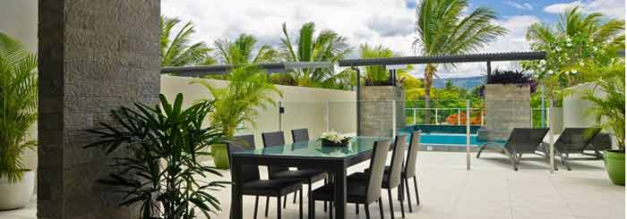 luxury apartments port douglas