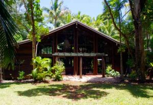 wait a while house rental daintree