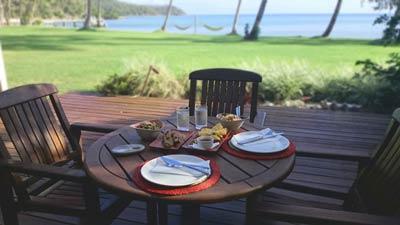 breakfast table on orpheus island