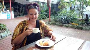 Breakfast at port douglas wildlife habitat