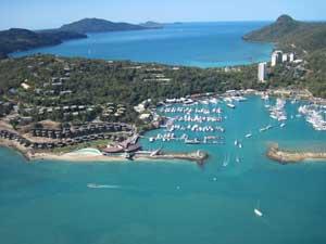 aerial picture of hamilton island