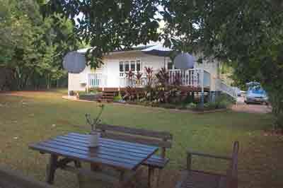 miss bullen's cottage, yungaburra accommodation, cairns tablelands