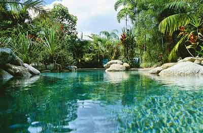where to stay in cairns beach resort