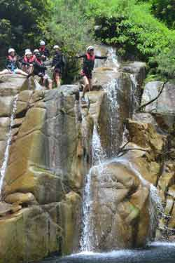 canyoning in cairns