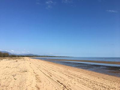 toolakea beach townsville